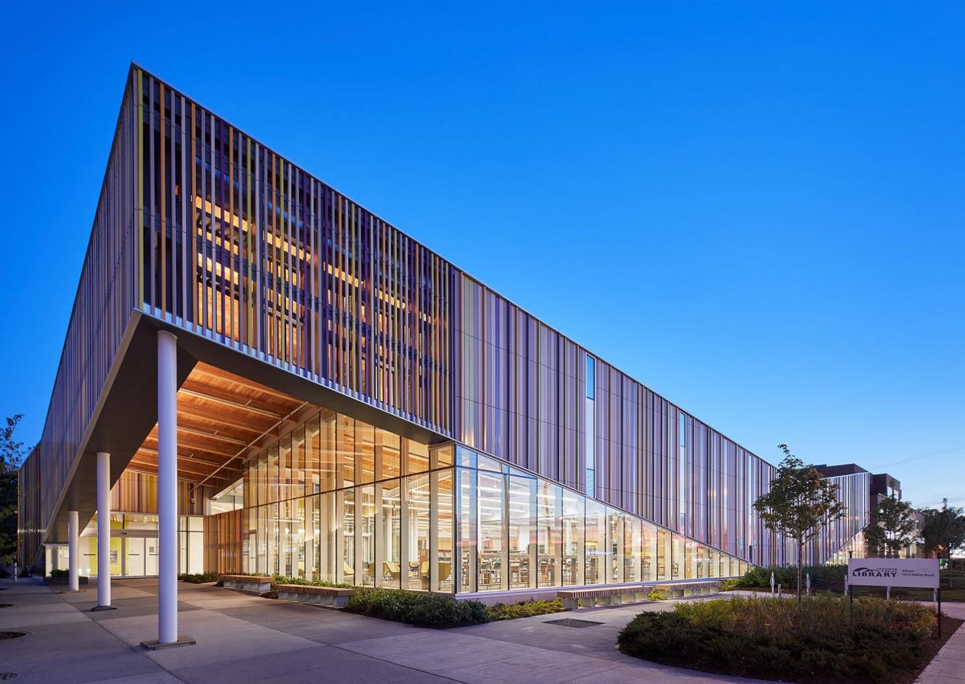 100 U.A.E - 10 Incredible Architects From Dubai